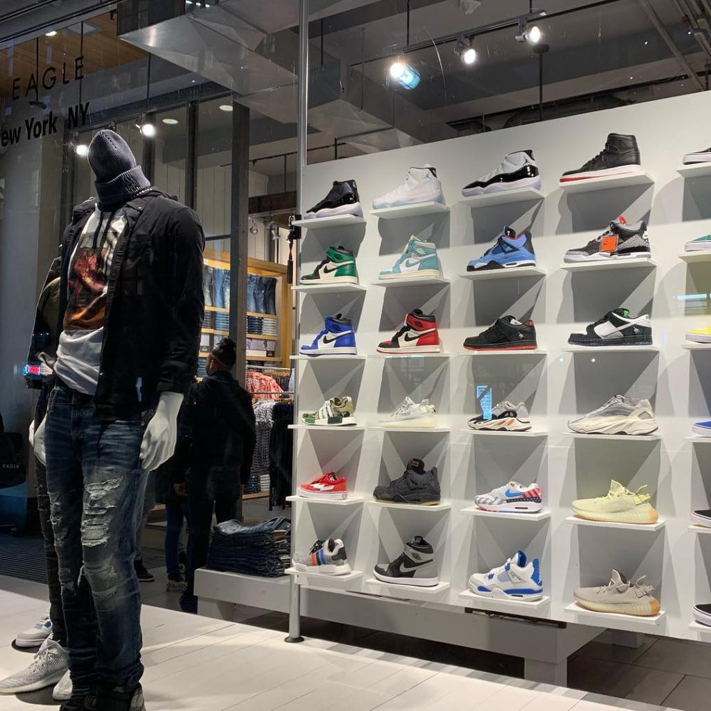 American Eagle Selling Sneakers in Manhattan (Urban Necessities)