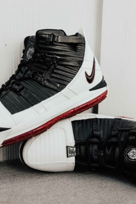 8cc6f543d49a0a An Ode To The Zoom LeBron 3 OG