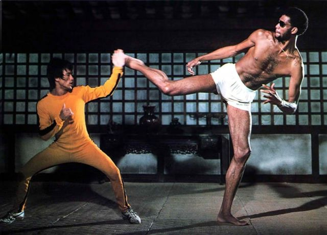 Bruce Lee wearing the Onitsuka Tiger Mexico 66 in battle against Kareem Adbul-Jabbar in Game of Death