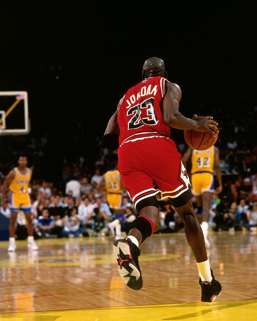 Michael Jordan wearing the Air Jordan 6 Black/Infrared