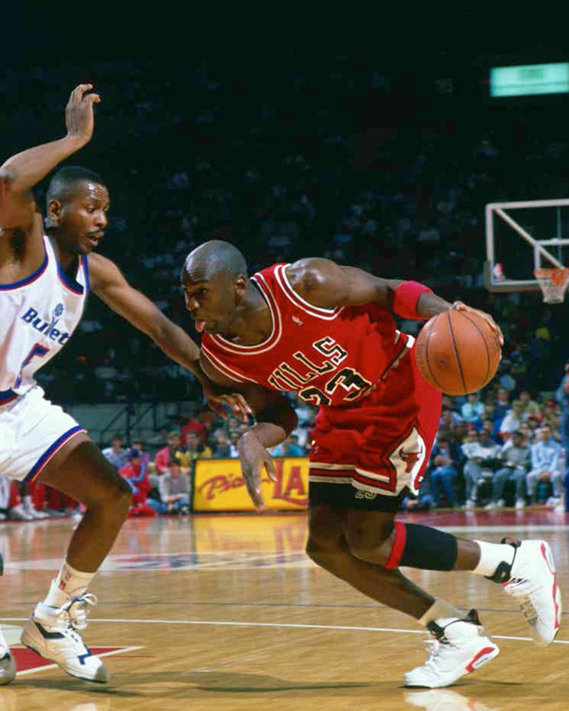Michael Jordan wearing the Air Jordan 6 White/Infrared