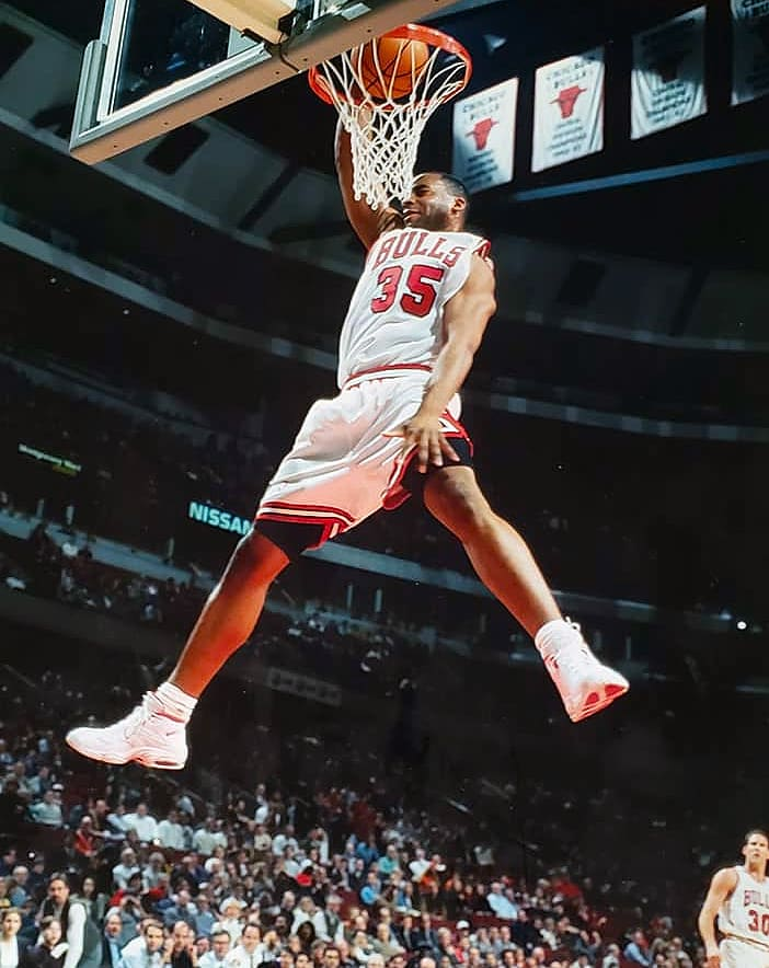 Jason Caffey in the Nike Air MZ3