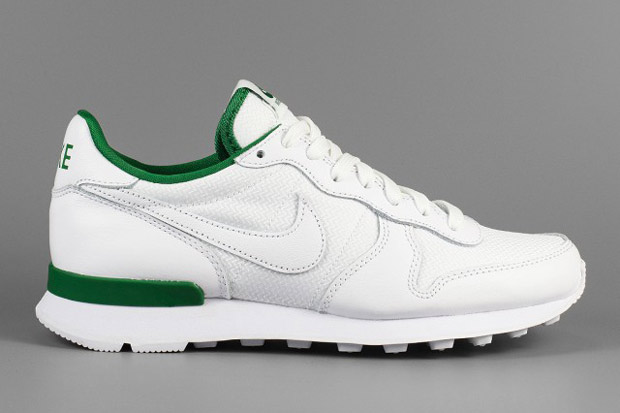 Kelly Green Nike Shoes