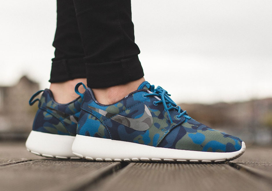 Contrasting Camos On This New Nike Roshe Run