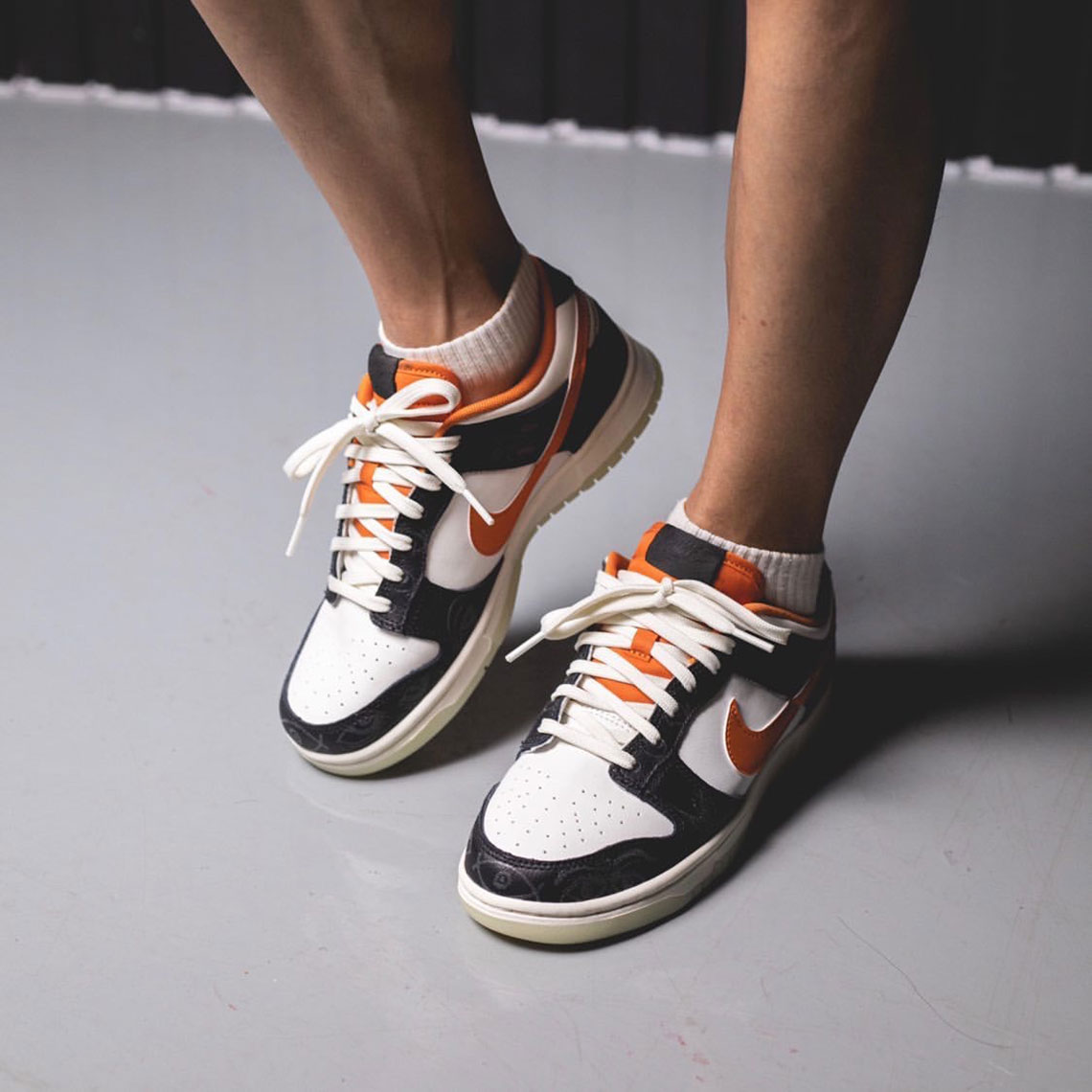 There's an app for virtually any kind of dating experience. Nike Dunk Low Halloween 2021 DD3357-100 Release - Shoe Trends