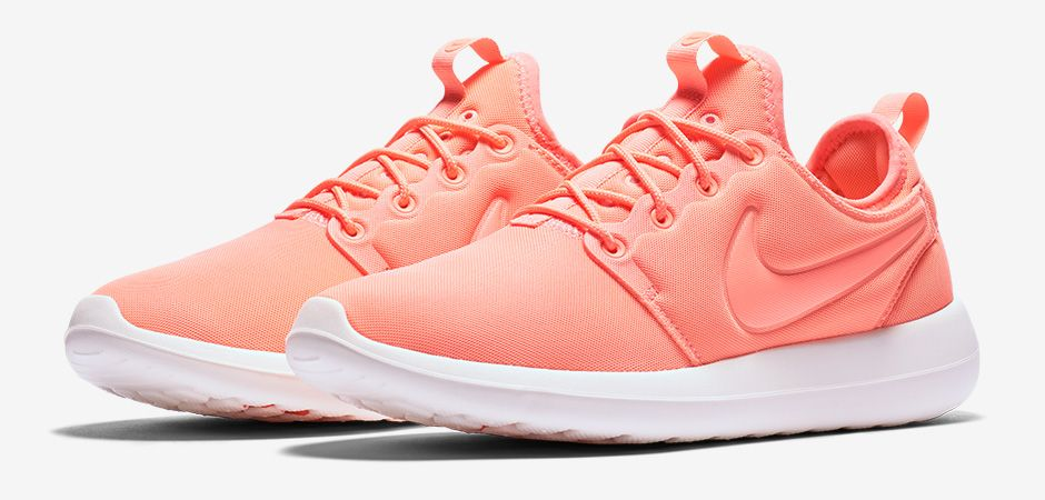 Nike-Roshe-Two-Atomic-Pink-Pair