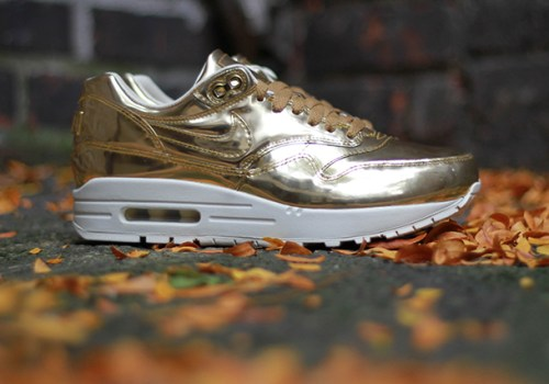 nike-air-max-1-wmns-liquid-metal-01