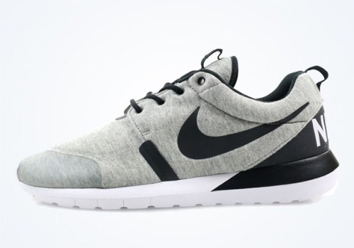 nike-roshe-run-nm-sp-holiday-2014-01