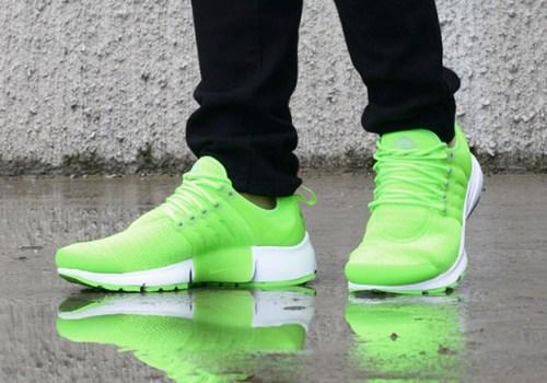 nike-air-presto-electric-green-1