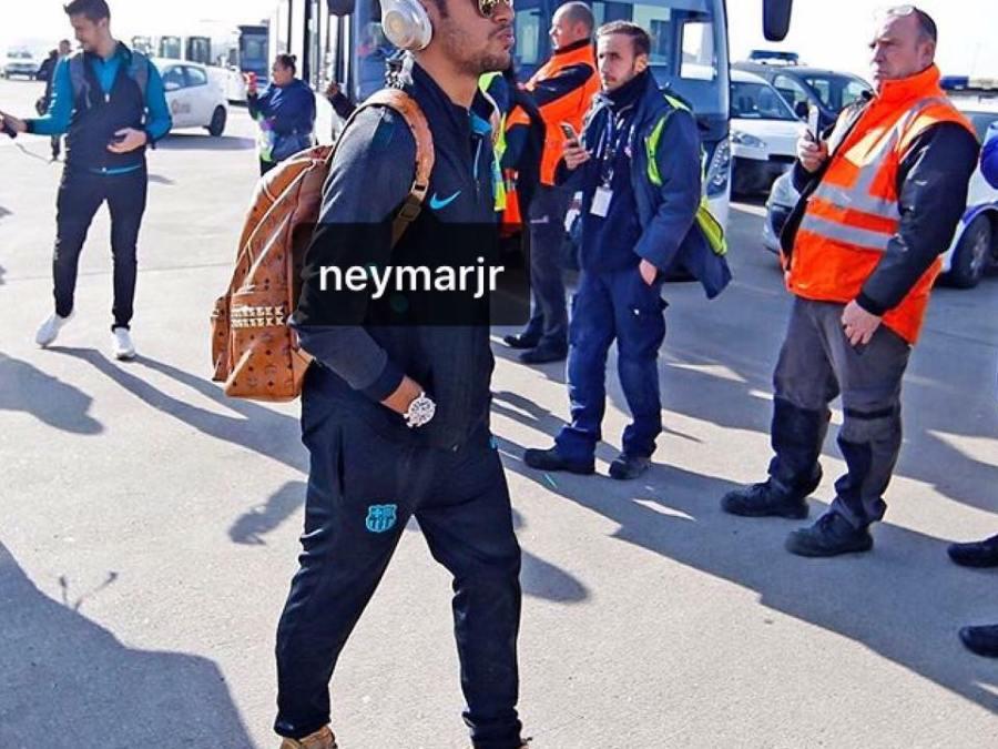 Neymar Jr. Aparece Com Um Dos Uptempo Da Supreme Nos Pés