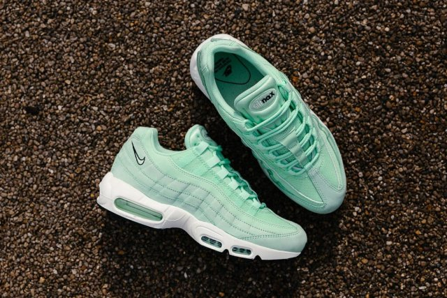 nike-air-max-95-fresh-mint-02