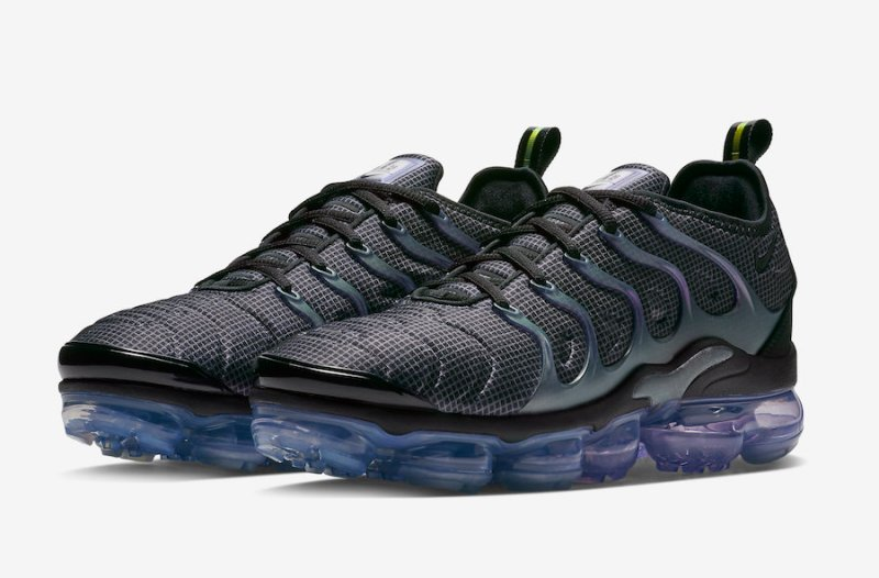 40bd92b9701 The Nike Air VaporMax Plus  Y2K  is set to release on January 11