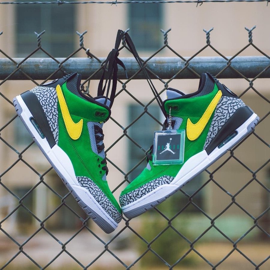 ee32ee17a72 To In the latest of edition of 'we're Oregon and you're not so look at the  cool shoes we get', Oregon Football has revealed their latest team-exclusive  ...