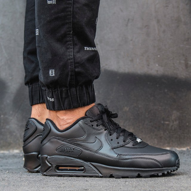 Buty M?skie Sneakersy Nike Air Max 90 Leather 302519 001