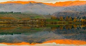 New Zealand South Island Lake Dunstan Wanaka Cromwell Lakes Reflection Mountains Sunset Golden Glow Orange Glow Golden Hour Blue Hour