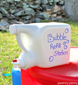 gwenny_penny_bubble_refill_station_laundry_detergent_container