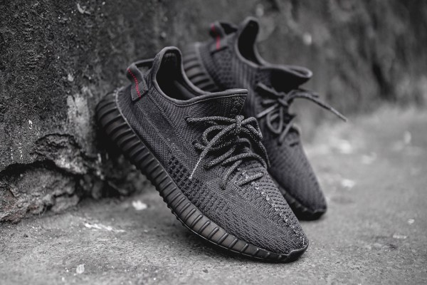 "adidas Originals YEEZY BOOST 350 V2 ""Pirate Black"""