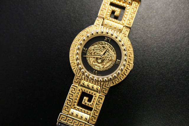 Gianni Versace Signature Gold Medusa Watch