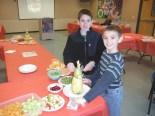 SCFS junior members helped kids make Christmas trees and veggie tray turkeys.