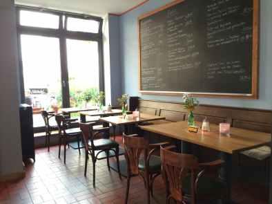 Café Lotte Brasserie - vorderer Sitzbereich