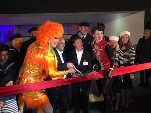 Michael Mücke (Accor Deutschland Chef), Olivia Jones, Knut Sander (ibis Hotelchef) und Eve Champagne