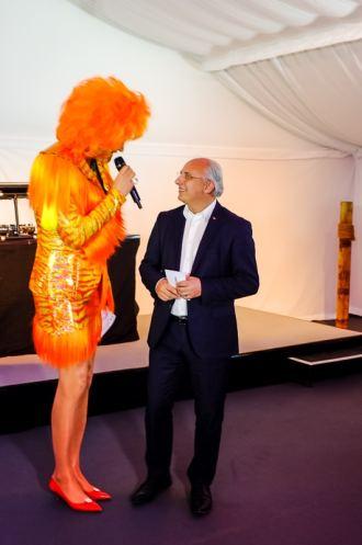Olivia Jones mit Accor Deutschland Chef Michael Mücke bei der ibis Eröffnungsfeier, Foto: Indeed Photography (Simon Bierwald)