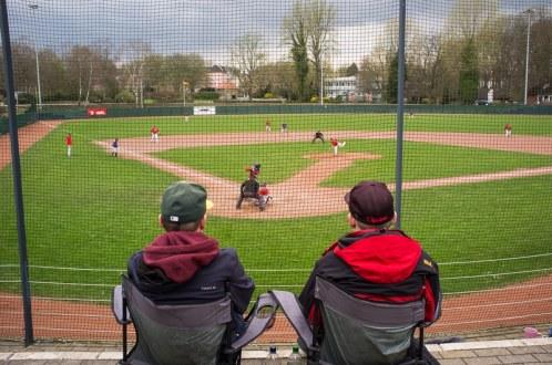 Am Spielfeldrand beim Baseball, Bild: Simon Bierwald (Indeed Photography)