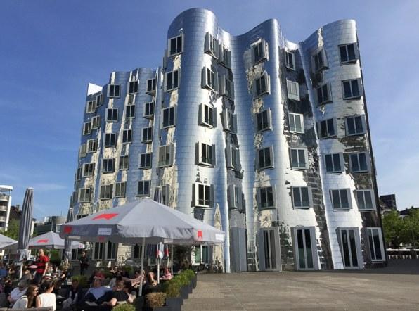 Neuer Zollhof nach Entwurf von Frank Gehry