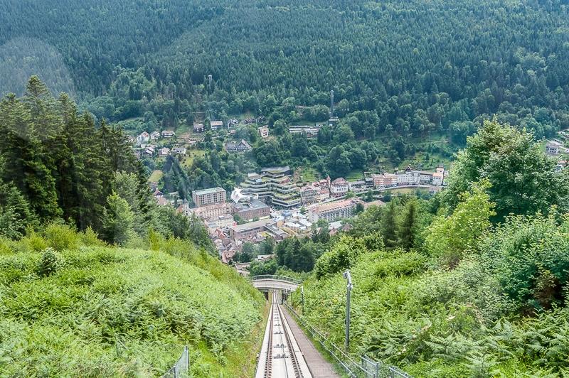 Auf dem Weg zum Baumwipfelpfad mit der Sommerbergbahn