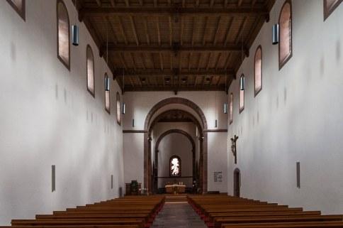 schlichte Einrichtung der Klosterkirche