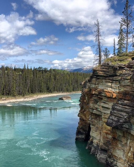 Am Fuße der Athabasca Falls