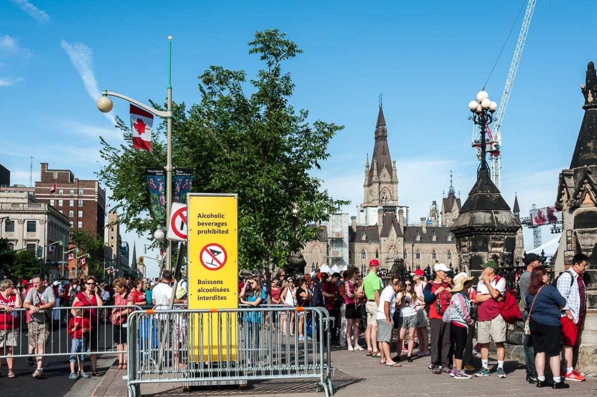 Einlass zum Parliament Hill am Canada Day