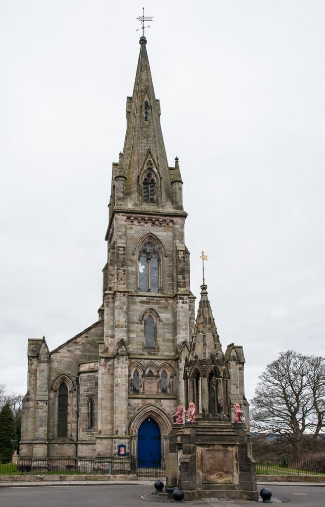 Falkland Parish Church & Bruce Fountain