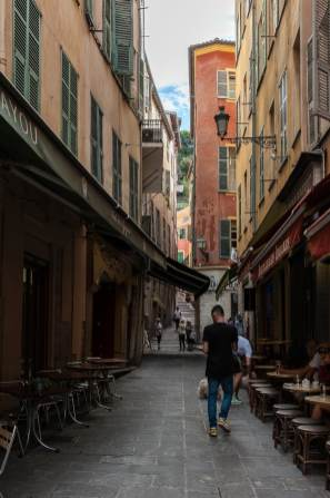 Restaurants und Cafés in Vieux Nice.