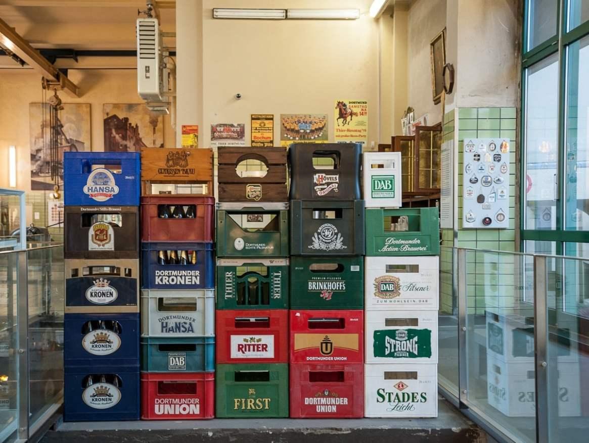 Bierkästen der Dortmunder Biere