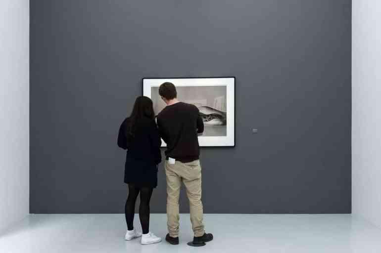 Nastassja Kinski mit Boa - Richard Avedon in der Concept of Lines-Ausstellung, Hamburg (Foto: Simon Bierwald, Indeed Photography)