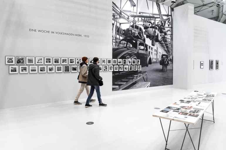 """Teilbereich """"Eine Woche im VW-Werk 1953"""", Peter Keetman (Foto: Simon Bierwald, Indeed Photography)"""