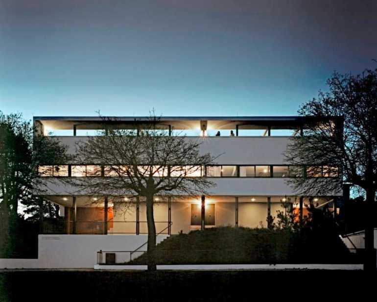 Bei Nacht: Weißenhofmuseum im Doppelhaus von Le Corbusier/Jeanneret, Weißenhofsiedlung Stuttgart Foto/Copyright: González