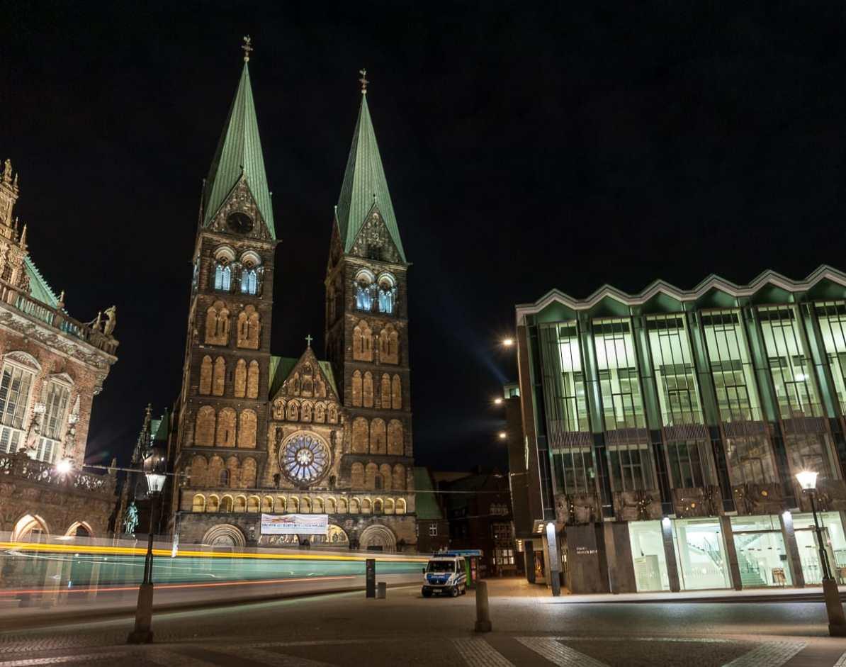 Dom St. Petri zwischen Rathaus und Bürgerschaft