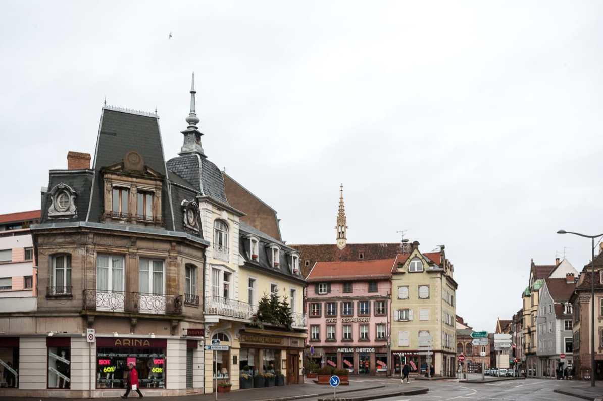 Restaurant auf der linken Seite