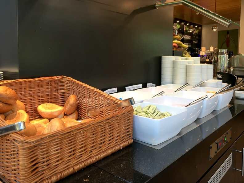 Teil des reichhaltigen Frühstücksbuffets - Quarkspeisen