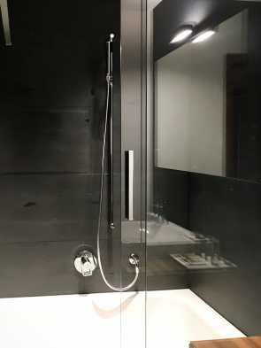 Badewanne inkl. Dusche