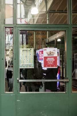 Das Plakat am Eingang der Arminiusmarkthalle