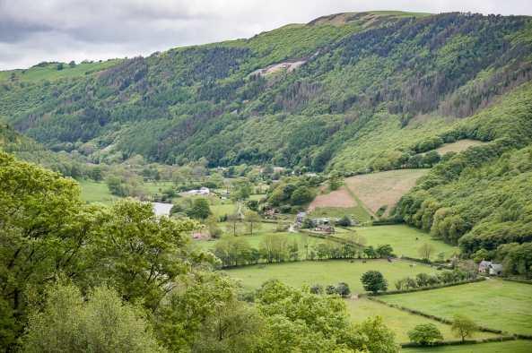 Die walisische Landschaft vom Zug aus