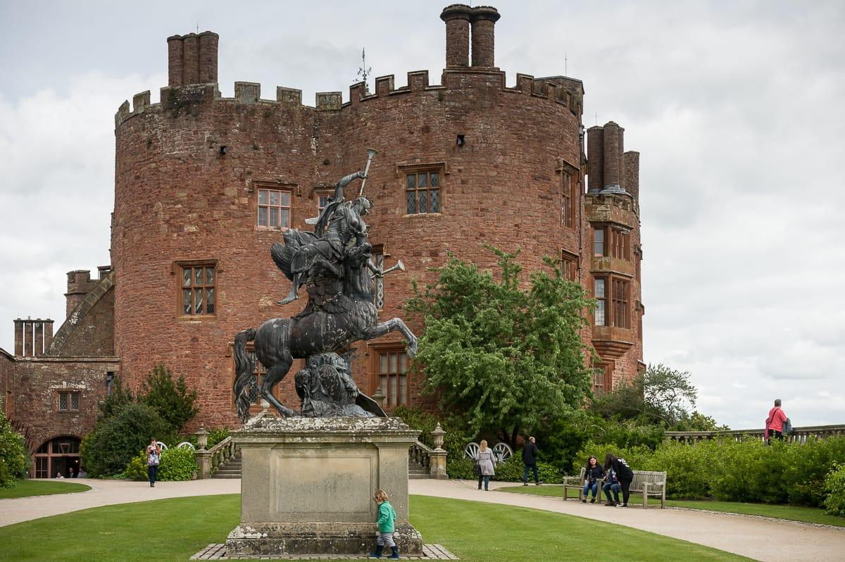Powis Castle und Gärten