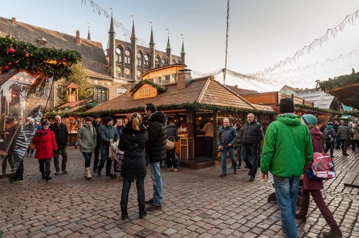 Lübecker Weihnachtsmarkt auf dem Markt