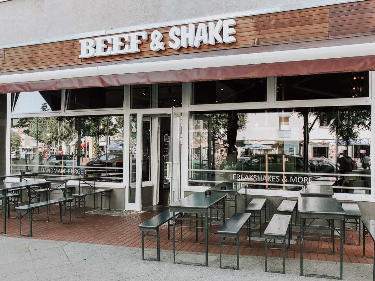 Beef & Shake - der Laden am Engelborstener Damm.