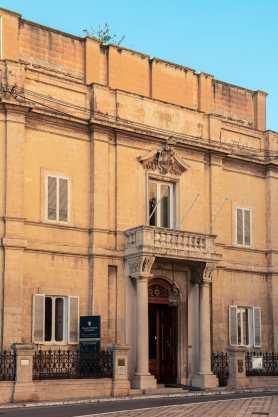 Palazzo Parisio, Naxxar - unscheinbar von außen