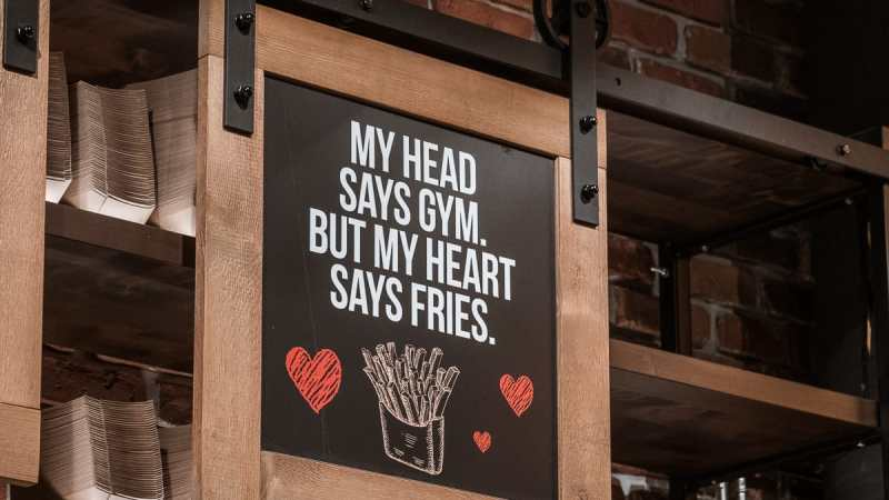 "Mein Motto: ""My Head says gym, but my heart says fries."""
