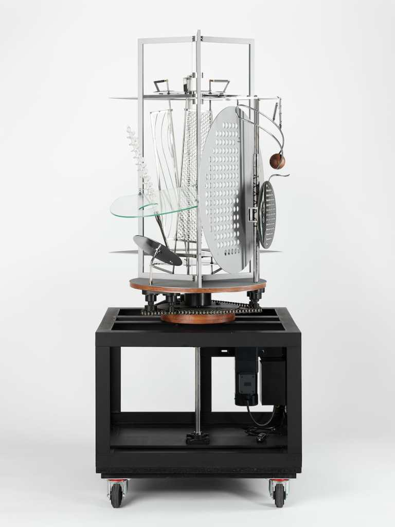 László Moholy-Nagy, Lichtrequisit für eine elektrische Bühne, 1930, Nachbau 2006, Harvard Art Museums/Busch- Reisinger Museum, Hildegard von Gontard Fund, Foto: Imaging Department, © President and Fellows of Harvard College